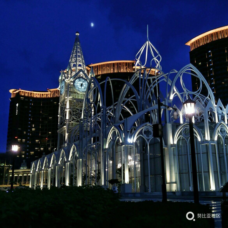 青岛新地标 钢构哥特式建筑教堂